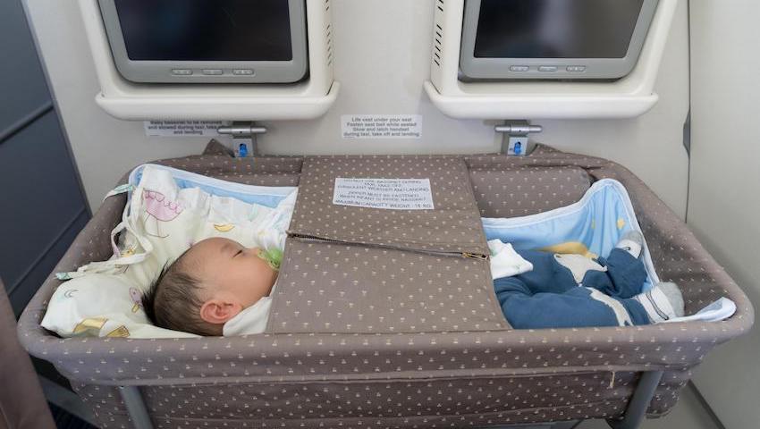 Lit bébé en avion